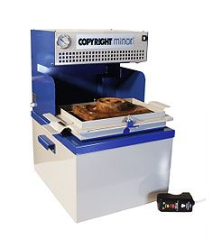 COPYRIGHT MINOR PLUS VACUUM FORMING MACHINE